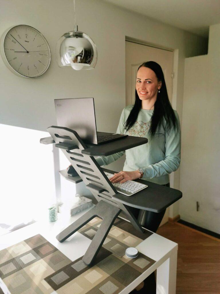 ergoway ergonoomika ergonoomiline kontoritool töötool tool kodukontor monitor kuvar triinusirge